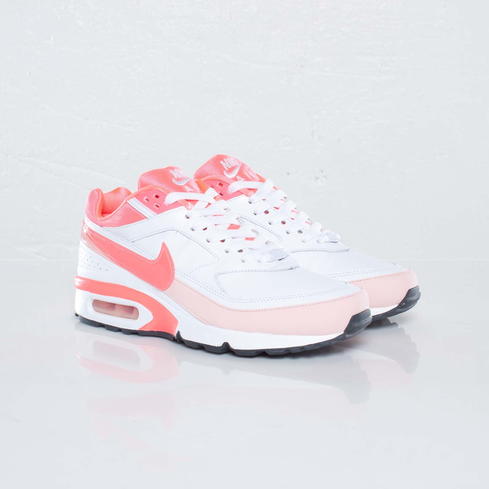 Nike Wmns Air Classic BW | Nike, Air max sneakers, Sneakers