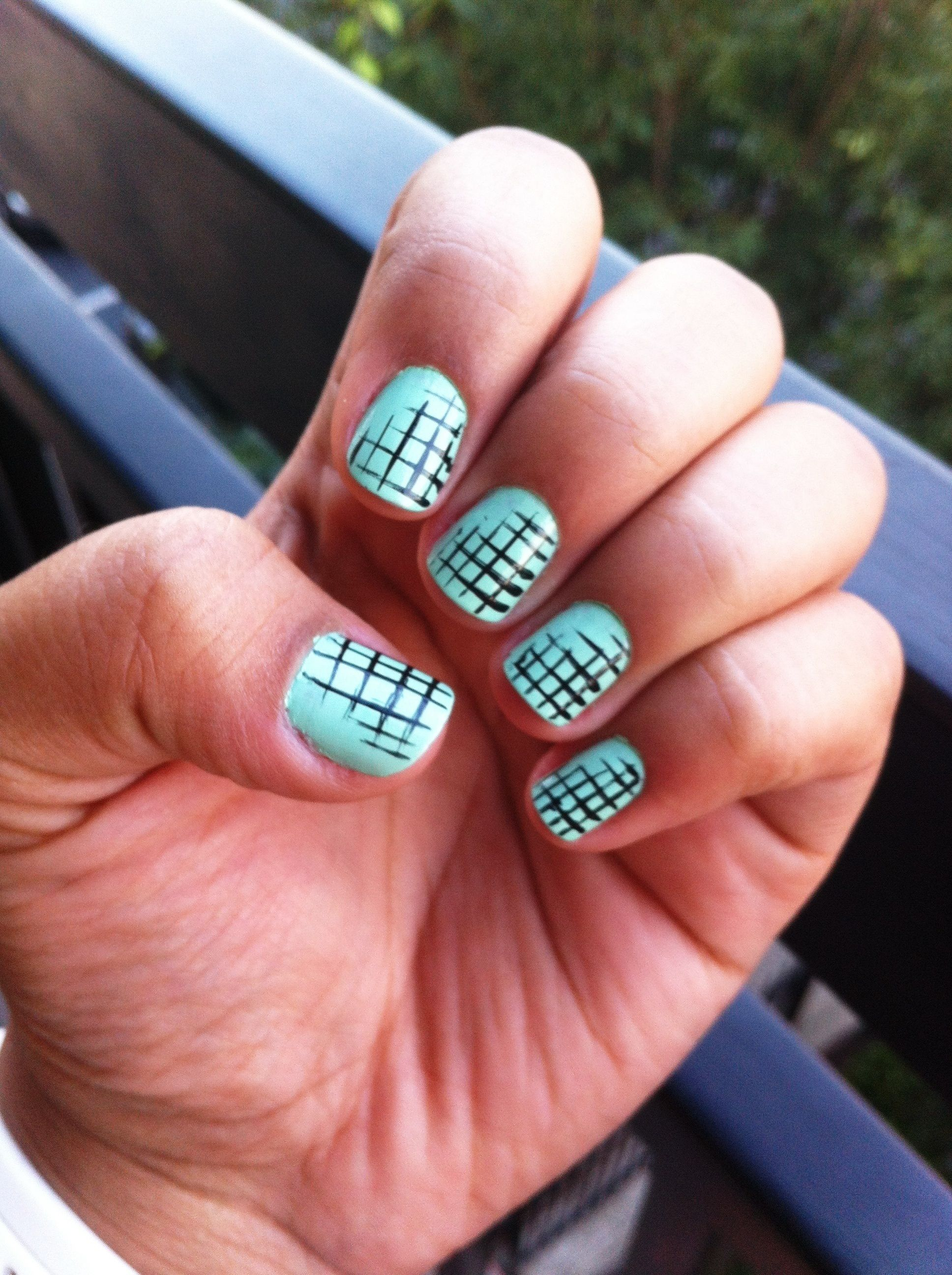 Easy criss-crossed stripes pattern