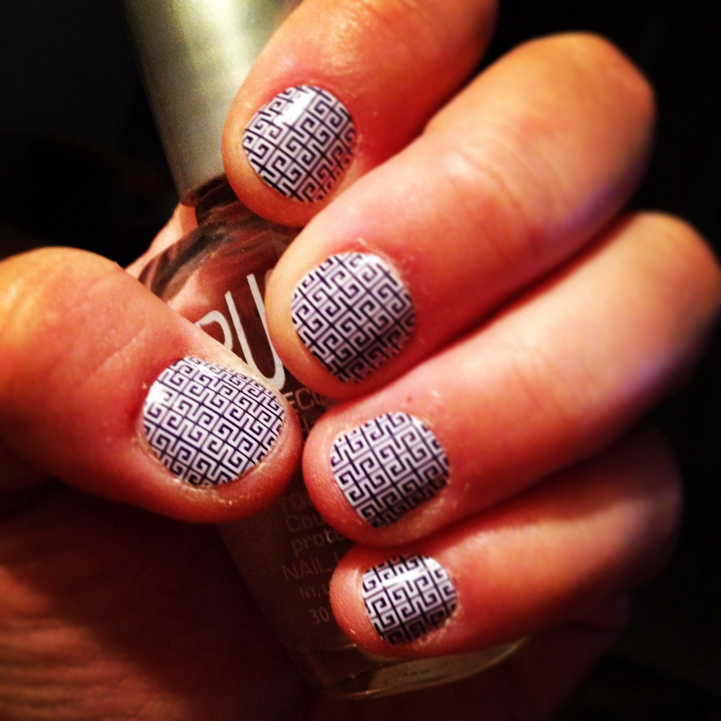 Jamberry wraps. Blue & White Greek Key. Works great on short nails ...