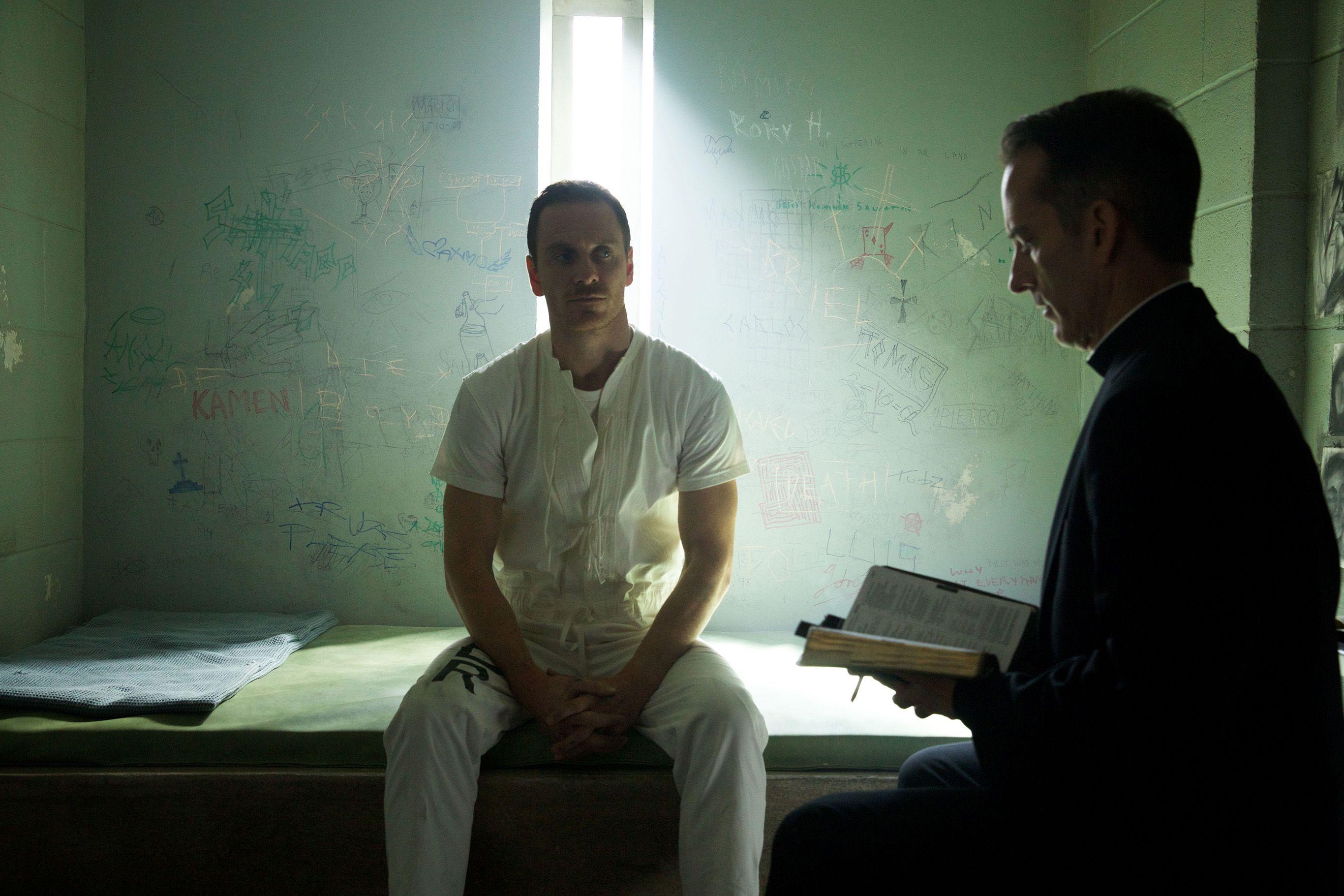 Assassin's Creed Movie: X-Men Magneto Michael Fassbender Behind Bars - http://www.morningledger.com/assassins-creed-movie-x-men-magneto-michael-fassbender-behind-bars/1361606/