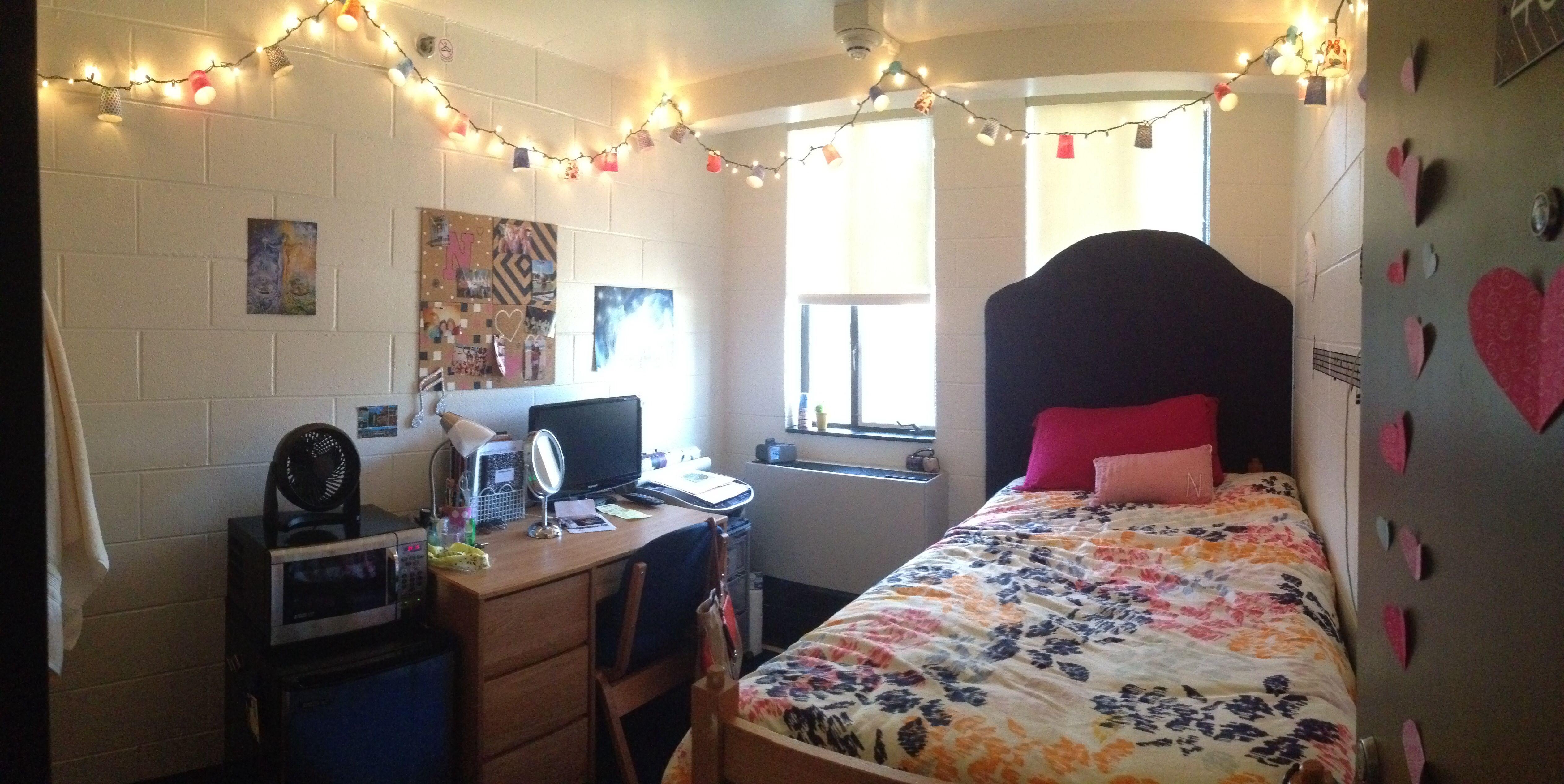Single dorm room Rodney University of Delaware Urban Outfitters