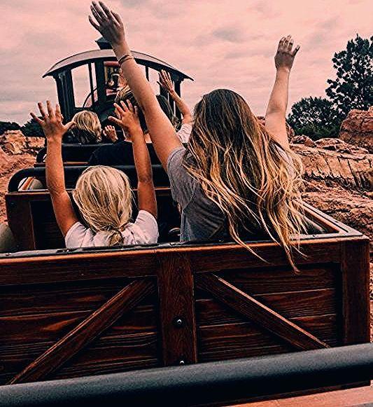 Photo of Insta-Worthy Disneyland Photo-Ops – Roaming Riley