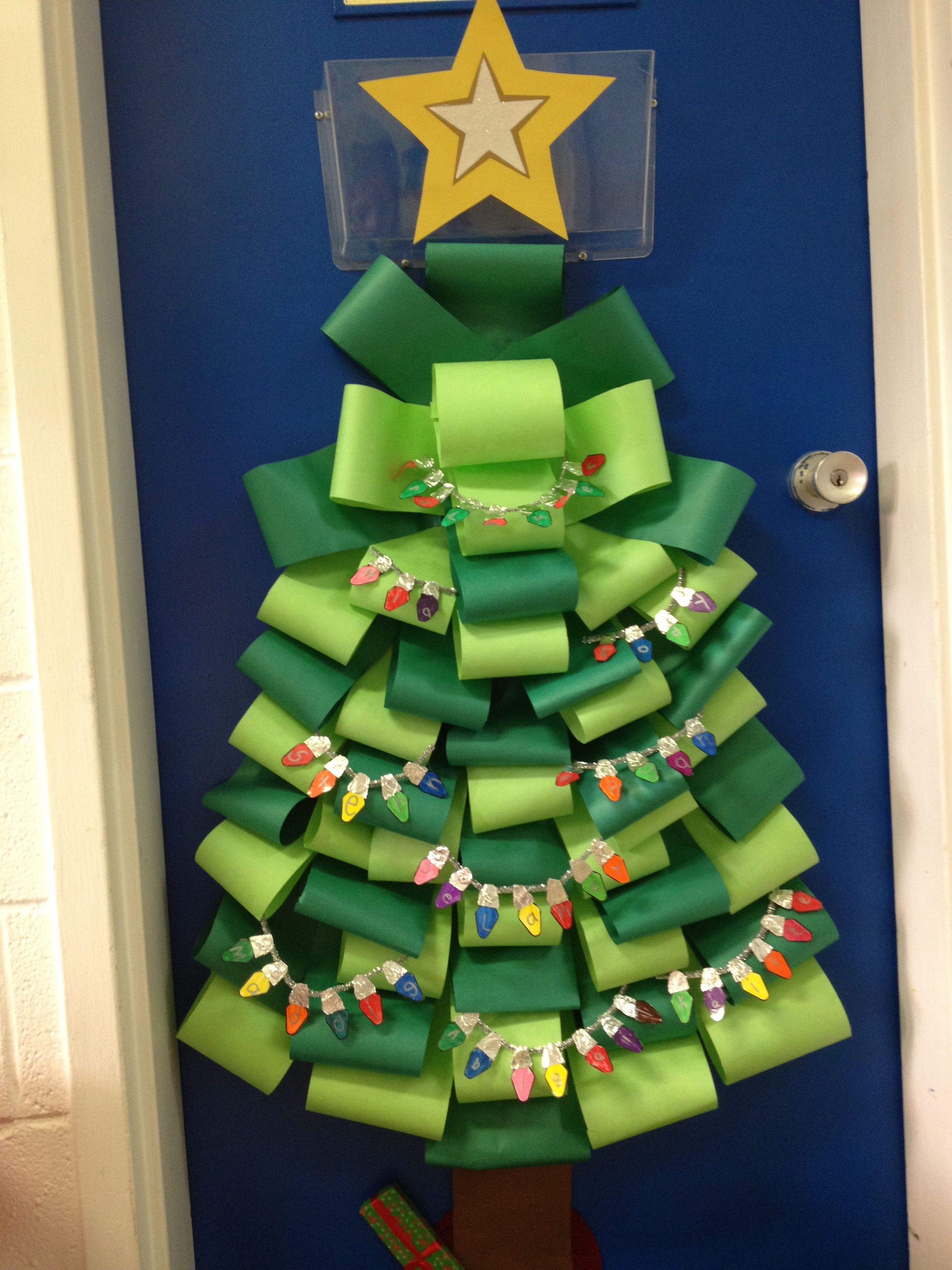 Christmas Classroom Door Rolled Paper And Then Spelled Out The Student Names In Lights
