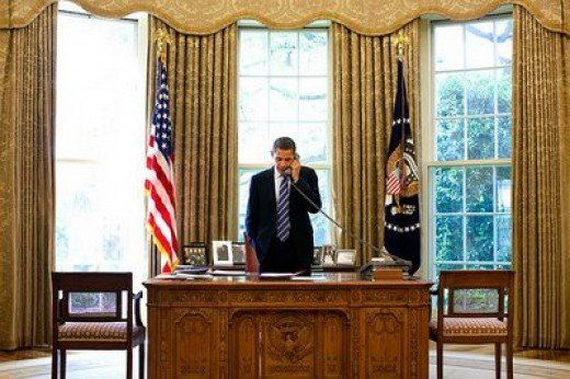oval office decor. among the changes in dcor to obama oval office one of them was not decor