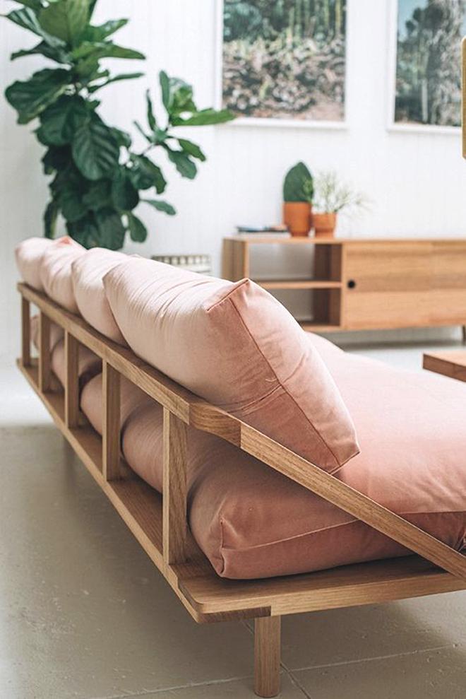 UN SOFÁ ROSA | Sofá rosado, Sofá y Sillones