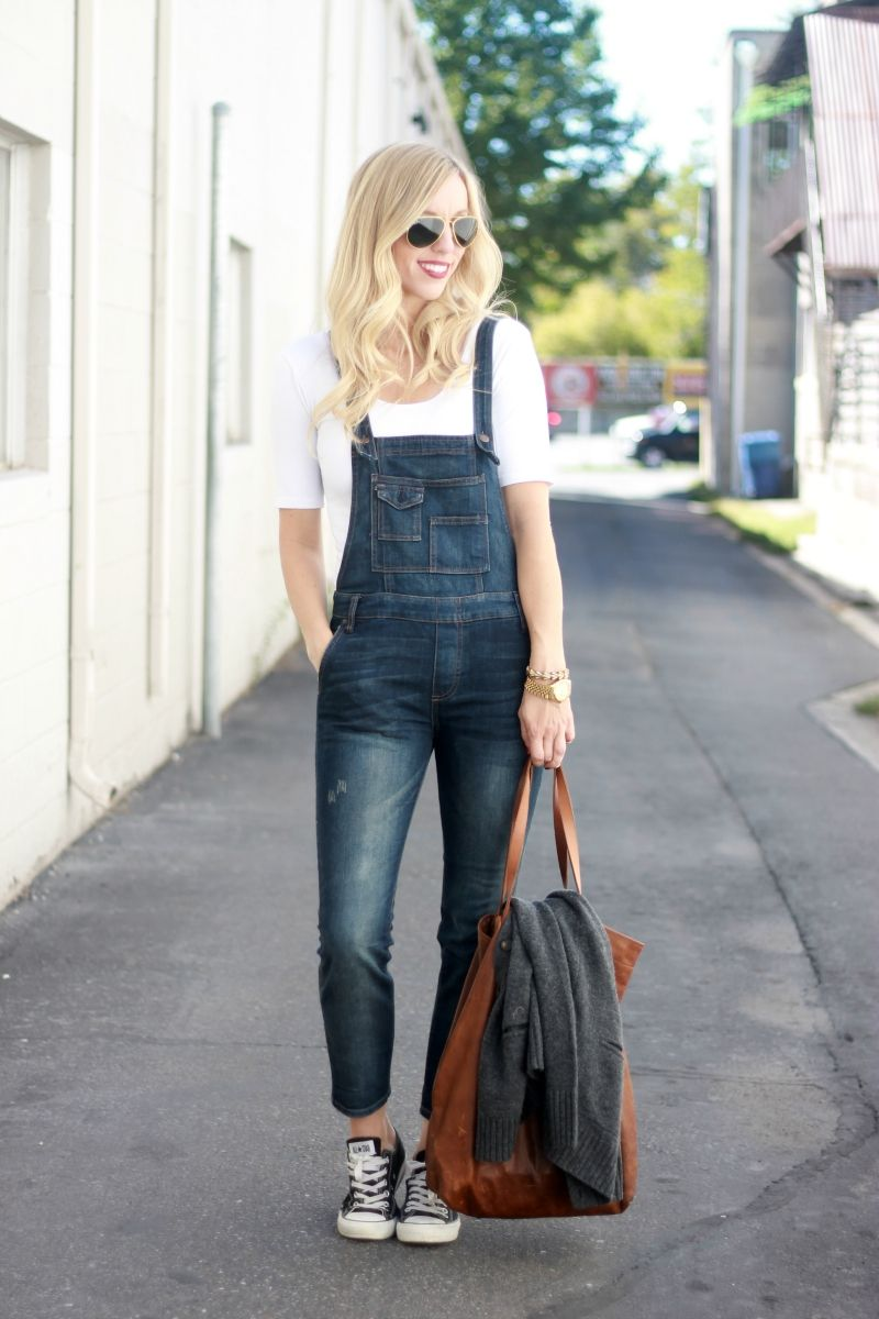 9cc29b34a RUN STYLE RUN blog shared some great looks with her favorite Bellfield Tote!