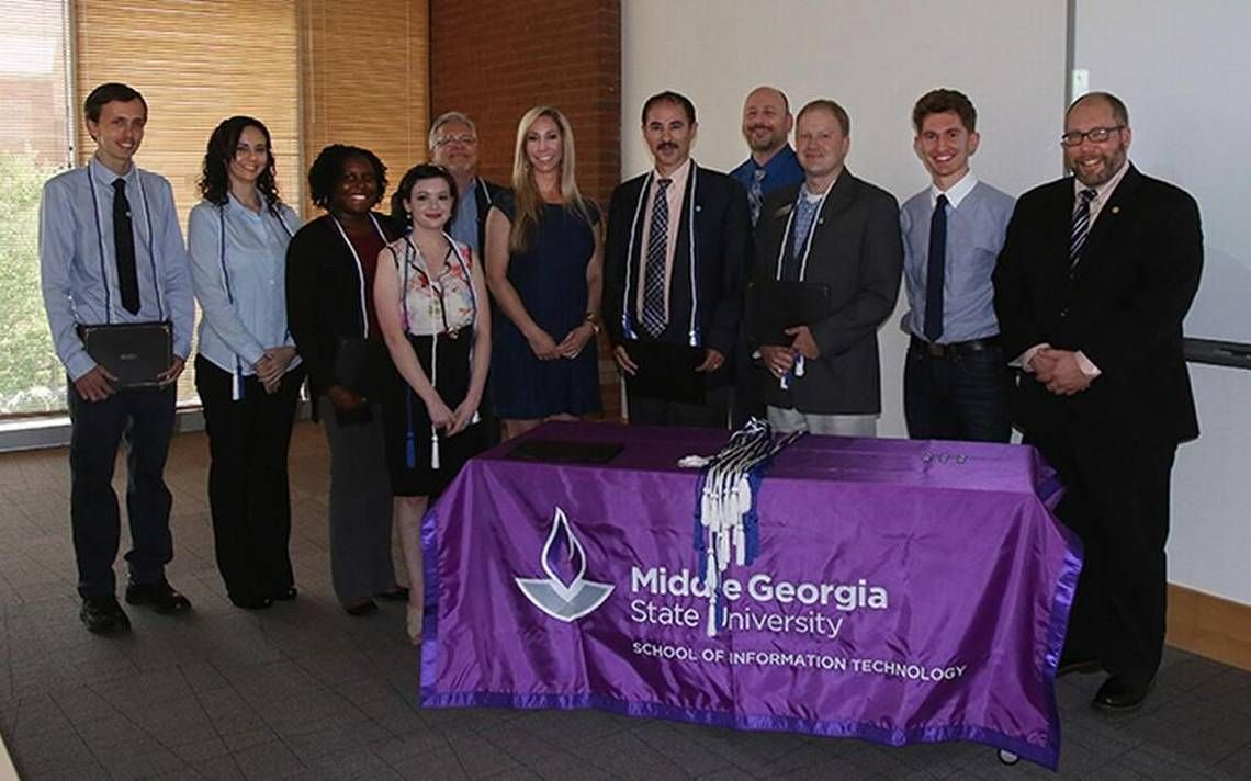 Middle State inducts first members into IT honor
