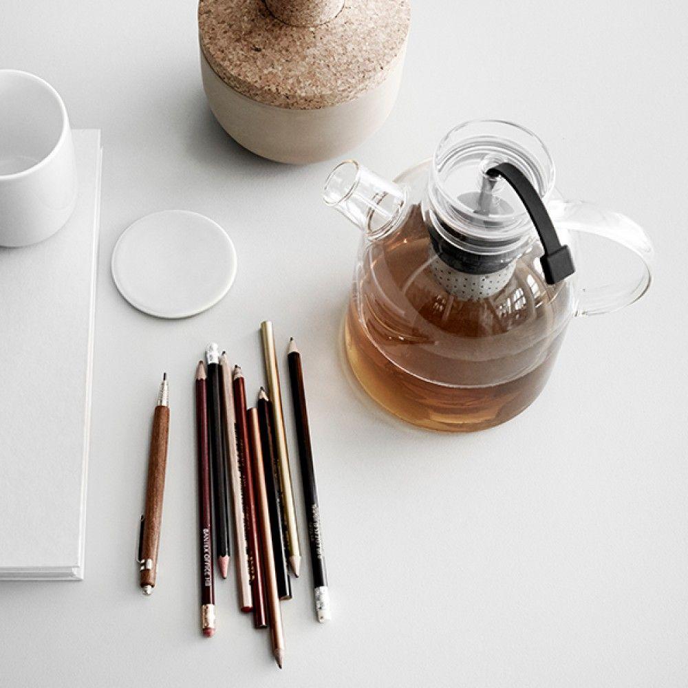 Menu S New Norm Kettle Glas Teekanne Verkörpert Das Aufeinandertreffen Zweier Traditionen Asiatische Zen Kettlemodern Designit