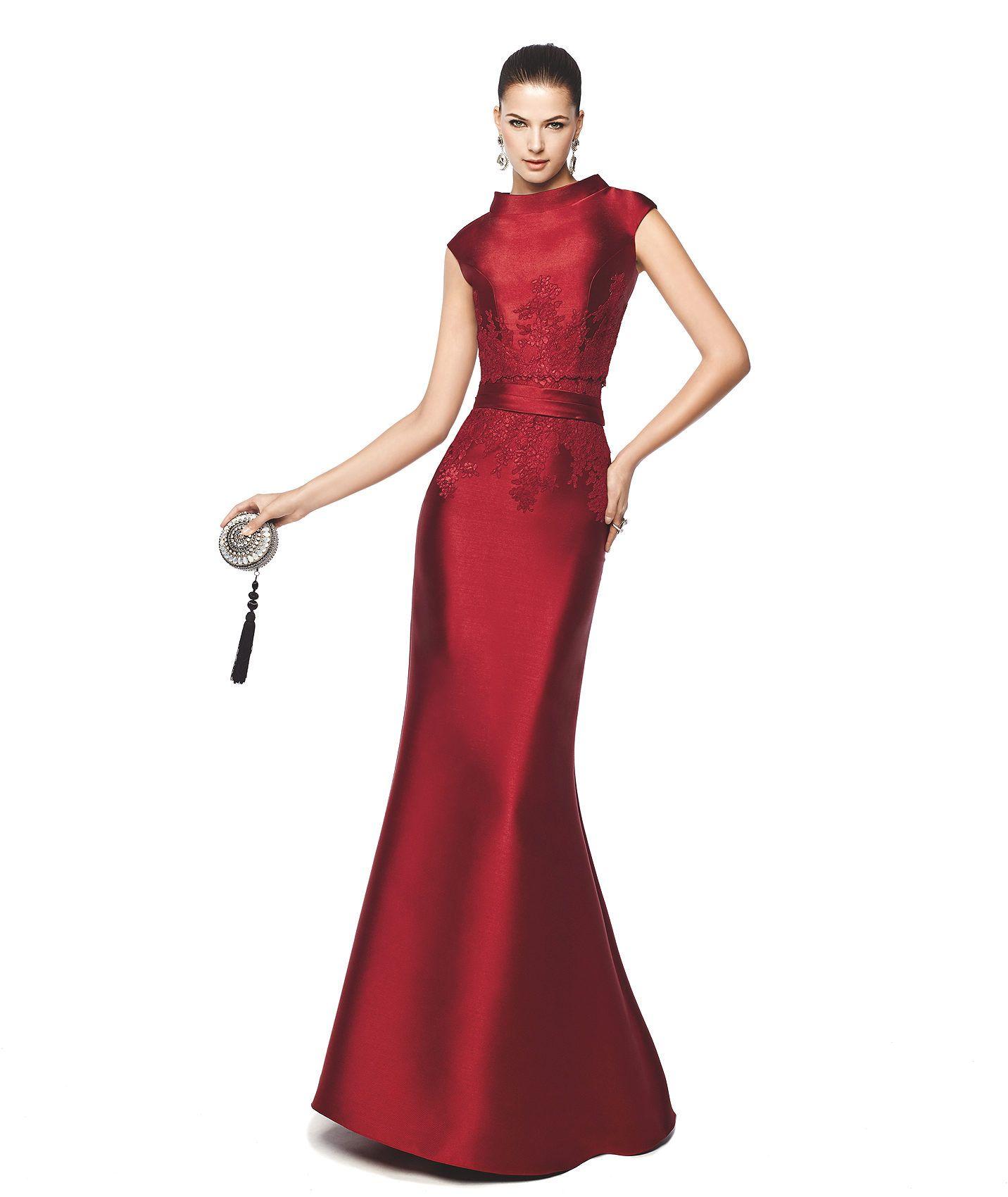c865d2982 NAIRA - Vestido de festa corte sereia. Pronovias 2015