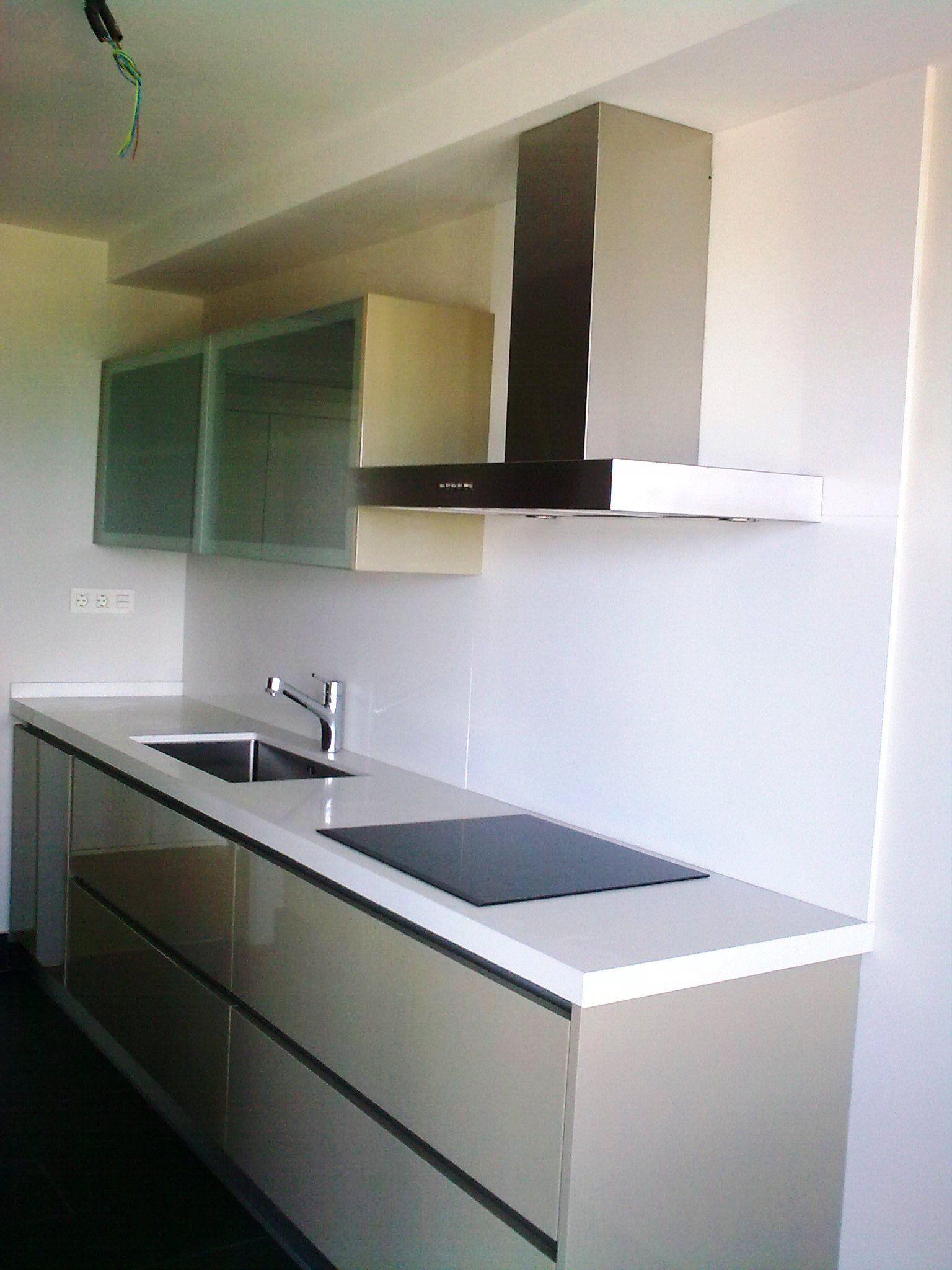 Amplia cocina de 15m2 con mobiliario italiano muy alta for Cocinas integrales de alta gama