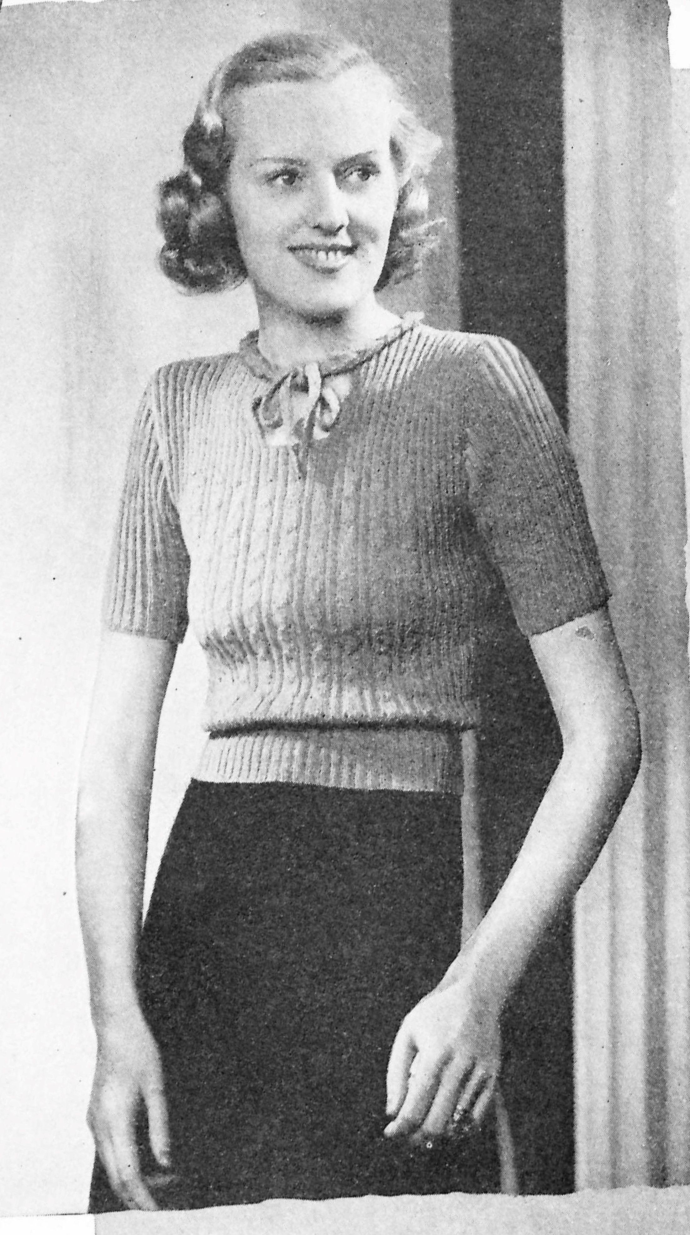 free vintage knitting pattern 1938 A charming jumper | crochet+ ...