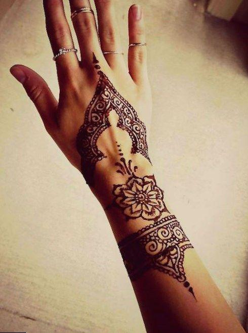 Hennatattoo Tattoo Wrist Tattoos For Men Designs Photo
