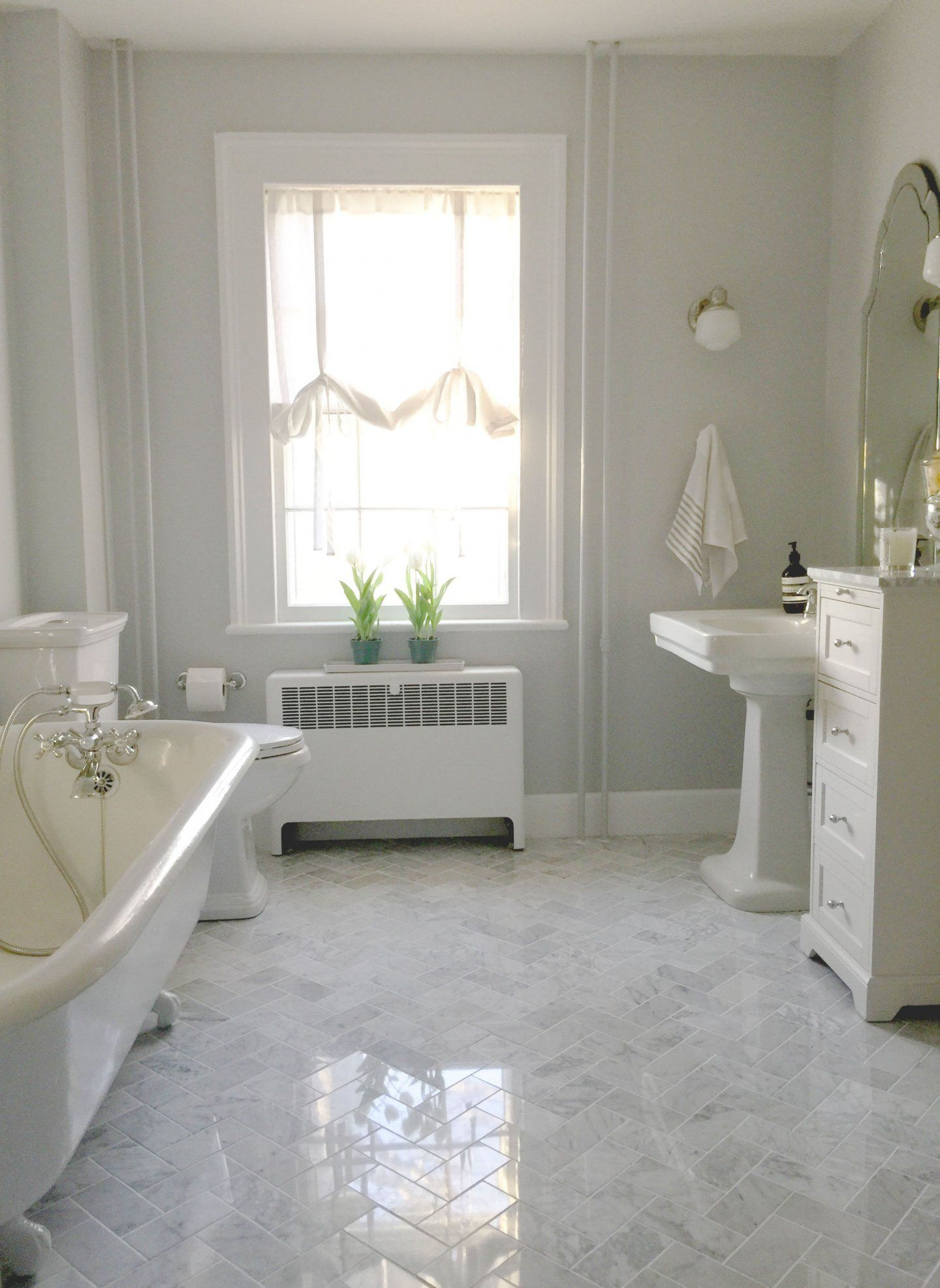 Best Bathroom Before and Afters 2016 Timeless bathroom