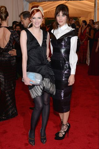 Karen Elson And Alexa Chung In Marc Jacobs At The 2012 Met Gala Via Getty Images Fashion Alexa Chung Met Gala
