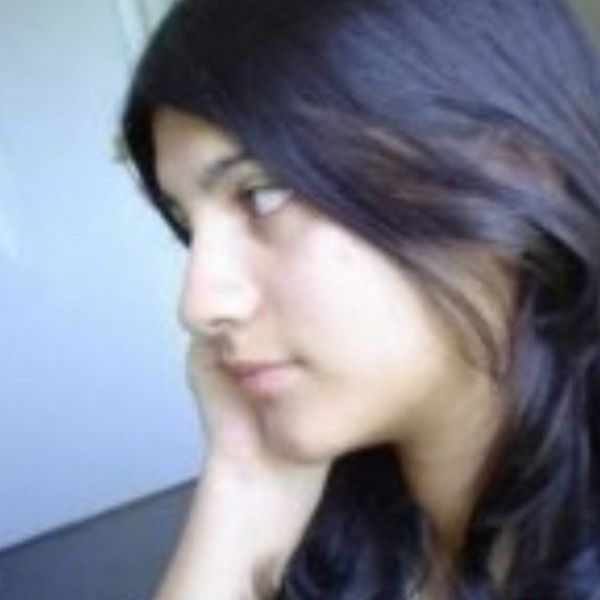 Iqra Khan For Karachi Body Massage Beauty Spa School Girl