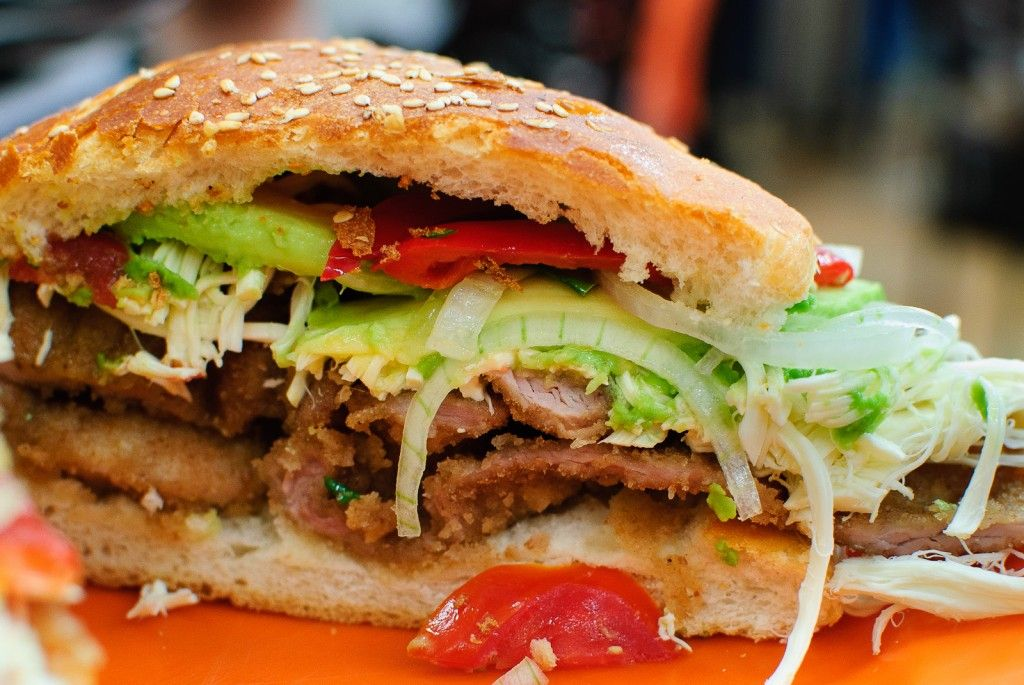 24 Must Visit Chicago Restaurants Diners Drive Ins Dives Yum