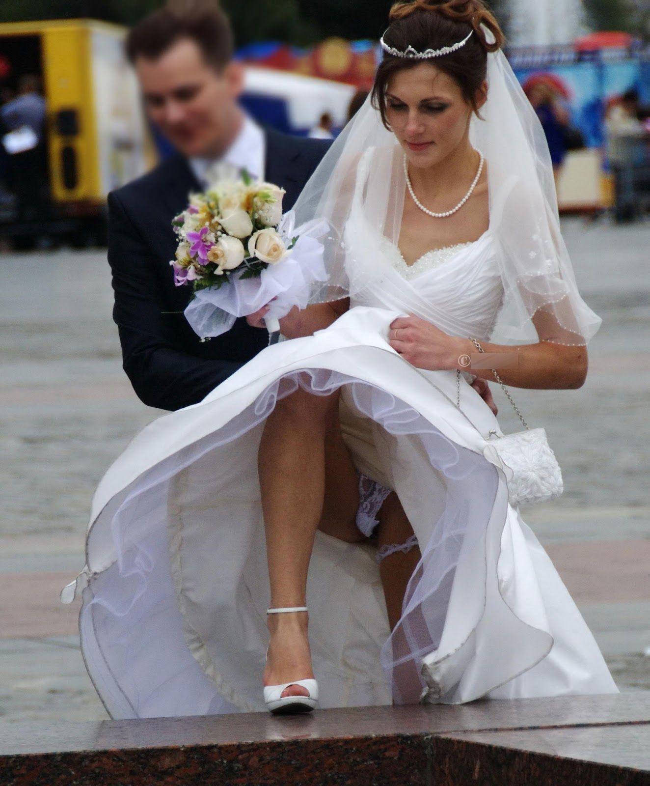 Голой под юбкой у невесты фото