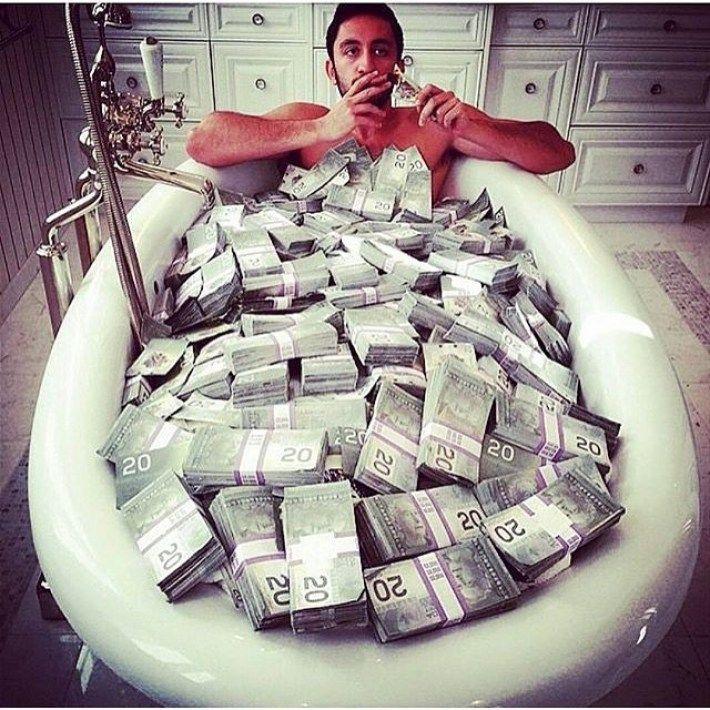 Деньги в прикольных картинках, гифки