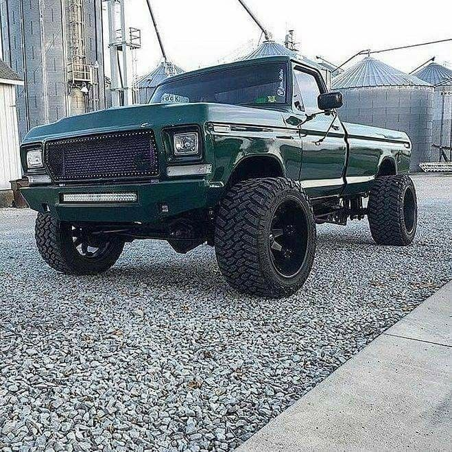 Ford F 100 Customized Classic F100 Short Bed Truck 1378670