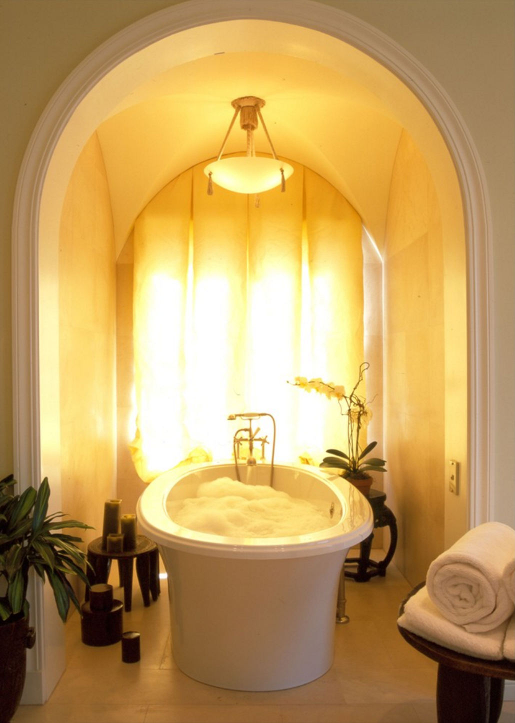 This bath nook is so luminous and relaxing with our therapeutic ...