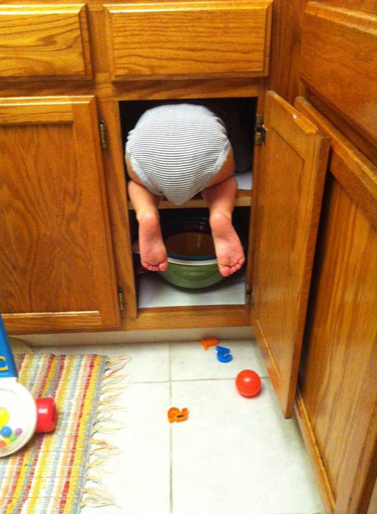 33 bilder die zeigen wie schlecht kinder im verstecken spielen sind ideen rund ums haus. Black Bedroom Furniture Sets. Home Design Ideas