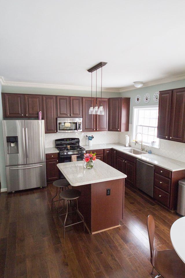 Modern Kitchen Dark Cabinets River White Granite White
