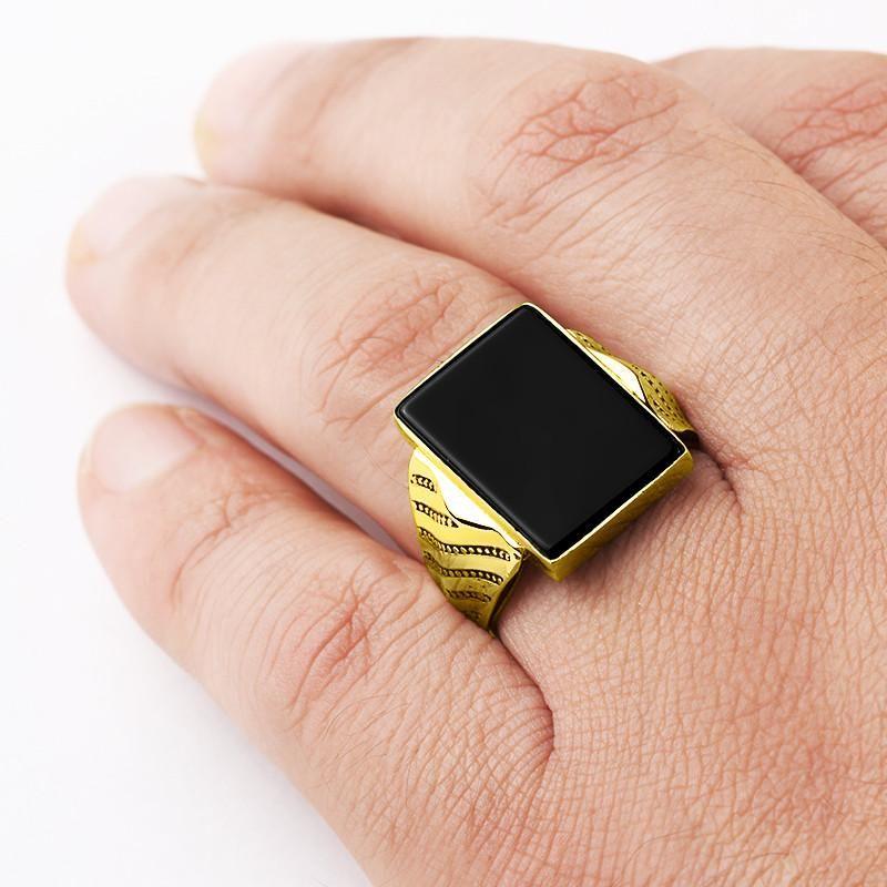 Men S Ring With Black Onyx In 10k Yellow Gold Natural Stone Ring For Men Gem Mensaccessories Ringforman Anillos De Oro Para Hombre Anillos De Oro Anillos