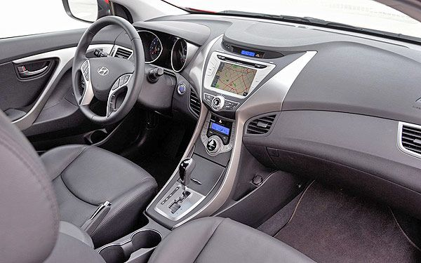 Hyundai Elantra Coupe 2013: Photos, Specs U0026 Brief Review: INTERIOR /  DASHBOARD