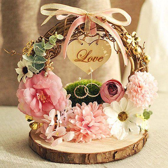 Custom Rustic Wood Ring Pillow Farmhouse Wedding Engagement Ring Holder Personalized Ring Pillow Wedding Decorat Ide Perkawinan Hadiah Perkawinan Ide Pesta