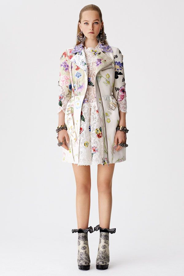 Floral Majority: Alexander McQueen Resort 2017 | Hint Fashion Magazine