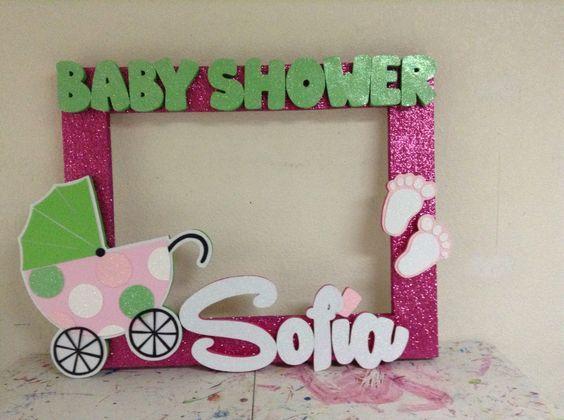 46e743066 Aprende cómo hacer marcos de baby shower para selfies