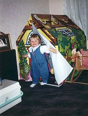 I had the Tots TV Wendy House too!