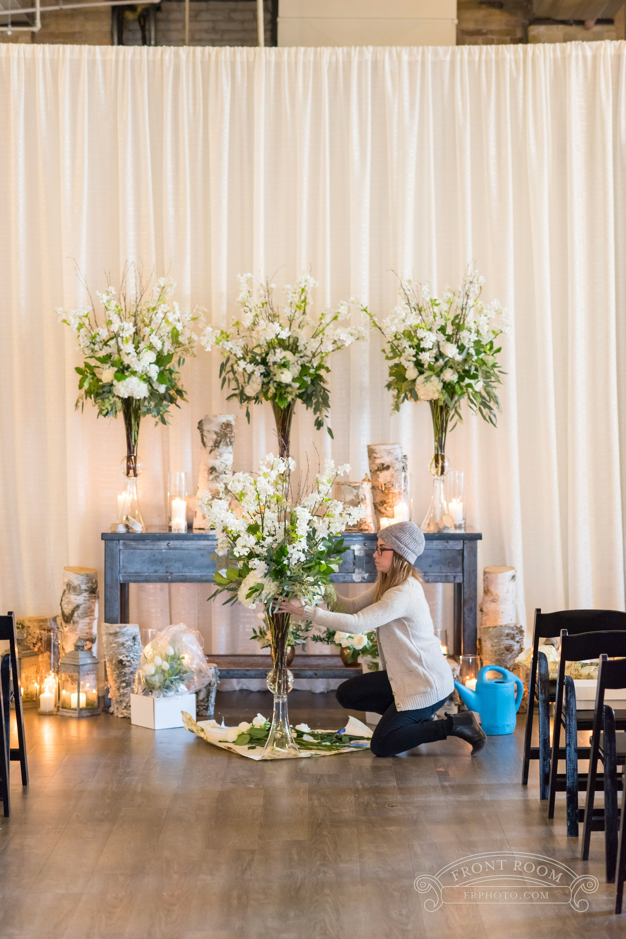 Chair Rental Milwaukee Portable Facial Our Dedicated Design Team Here At Belle Fiori Can Install And Tear For More Information On Wedding Services Contact Us In