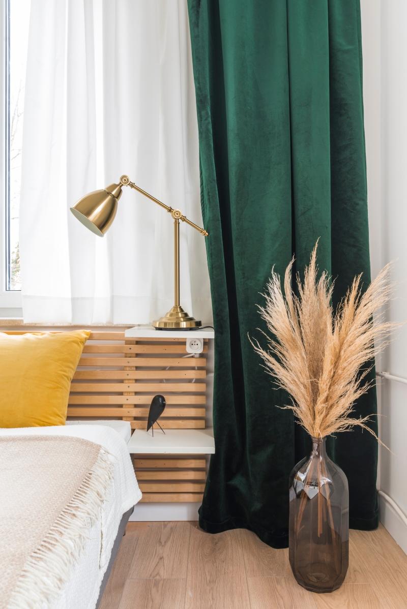 Metamorfoza Mieszkania W Bloku W Dwie Stylowe Kawalerki Interior Gold Curtains Interior Trend