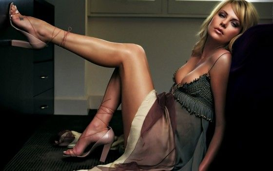 Model-Charlize-Theron-1