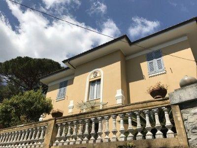 Villa al mare Liguria Rapallo con giardino e box