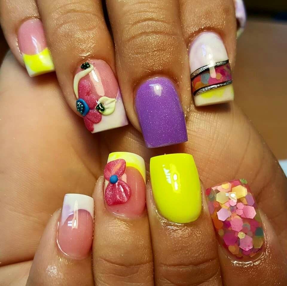 Flor,dos tono ,brillo encapsulado, | uñas de flores | Pinterest