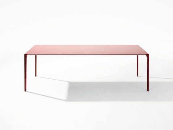 Tavolo Arper ~ Table nuur de simon pengelly pour arper dinnig