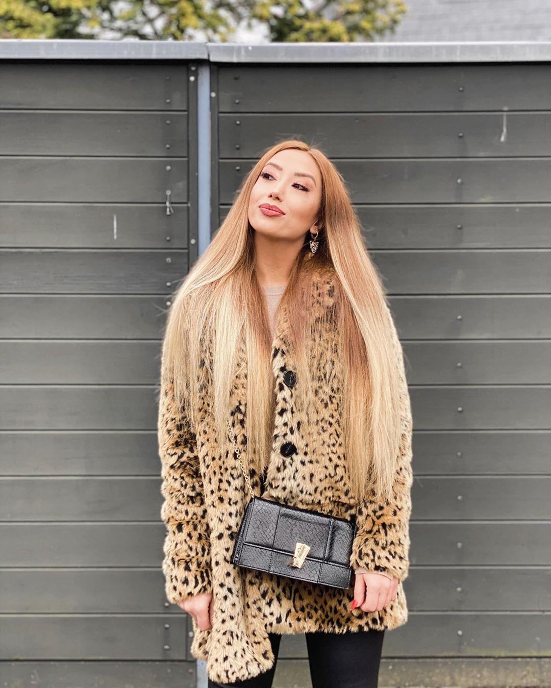 Ne bileyim sen öyle bakınca bende iyi ki varım sandım  .... #beauty #makeup #love #fashion #beautiful #skincare #photography #style #like #instagood #model #follow #photooftheday #hair #makeupartist #art #nature #mua #instagram #cute #lashes #girl #nails #cosmetics #picoftheday #skin #photo #happy #lifestyle #bhfyp