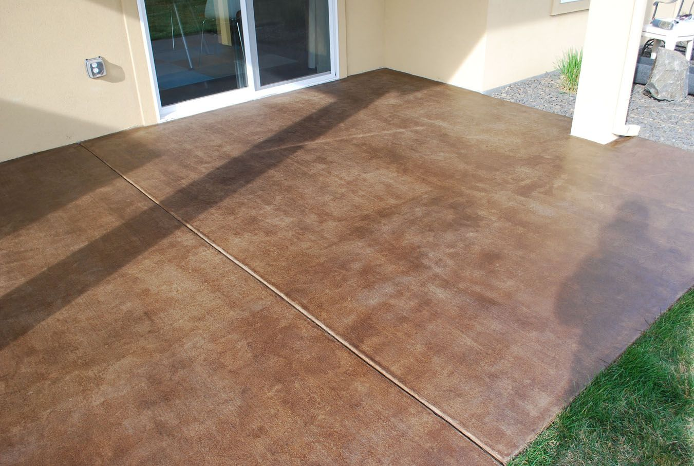How To Stain A Concrete Patio Easy Diy Project The Garden Glove Concrete Stain Patio Diy Concrete Patio Patio Flooring