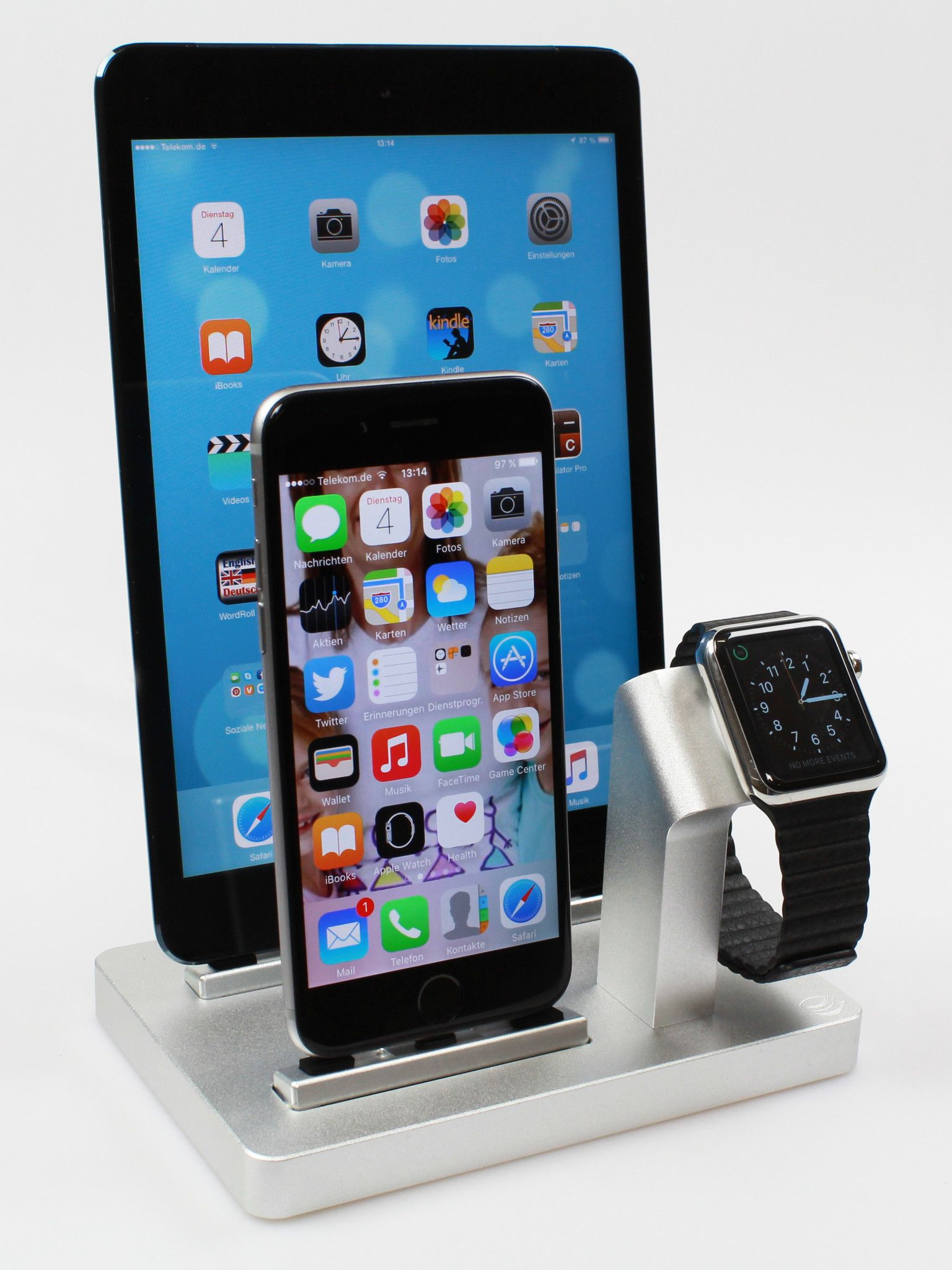 PREMIUM ONE W3 TRIPLE Dock & Charging stand for Apple