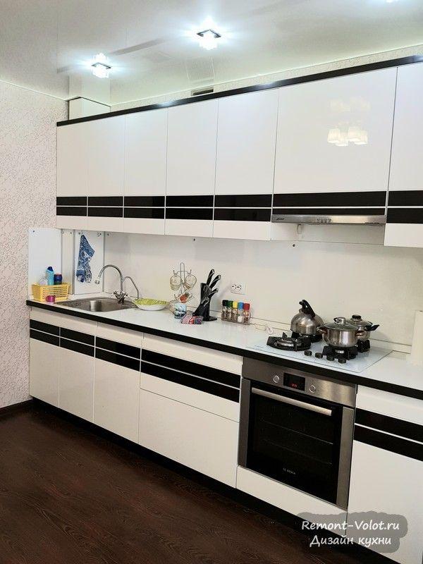 Прямая (линейная) белая кухня 12,5 кв м с газовым котлом и ...