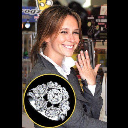 Jennifer Love Hewitt Engagement Ring Wowfactor Www Angara