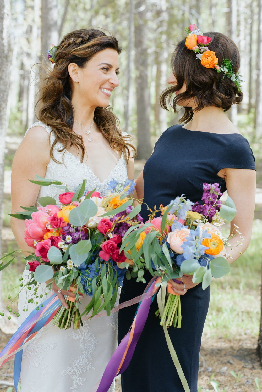 hair flowers // yes please!! | cough secret wedding board