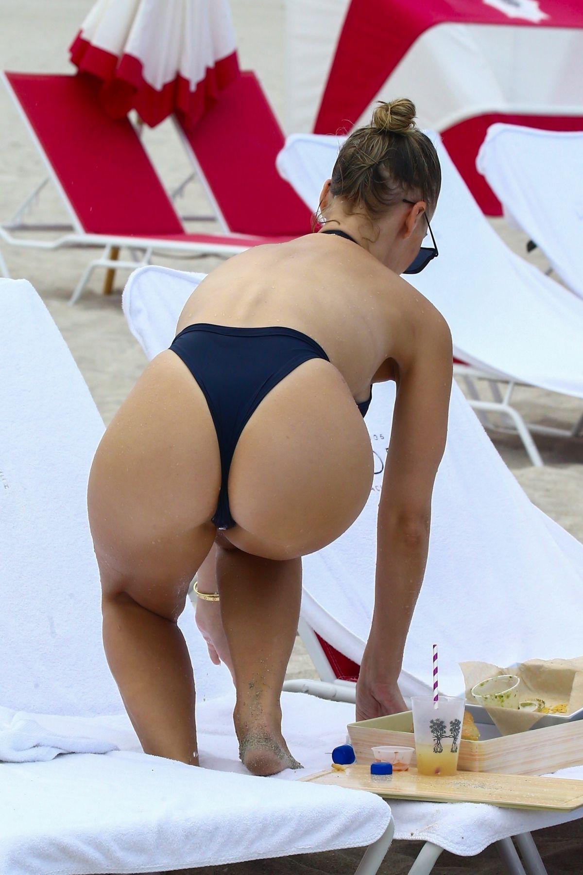 Bianca Elouise | Celebs bikini