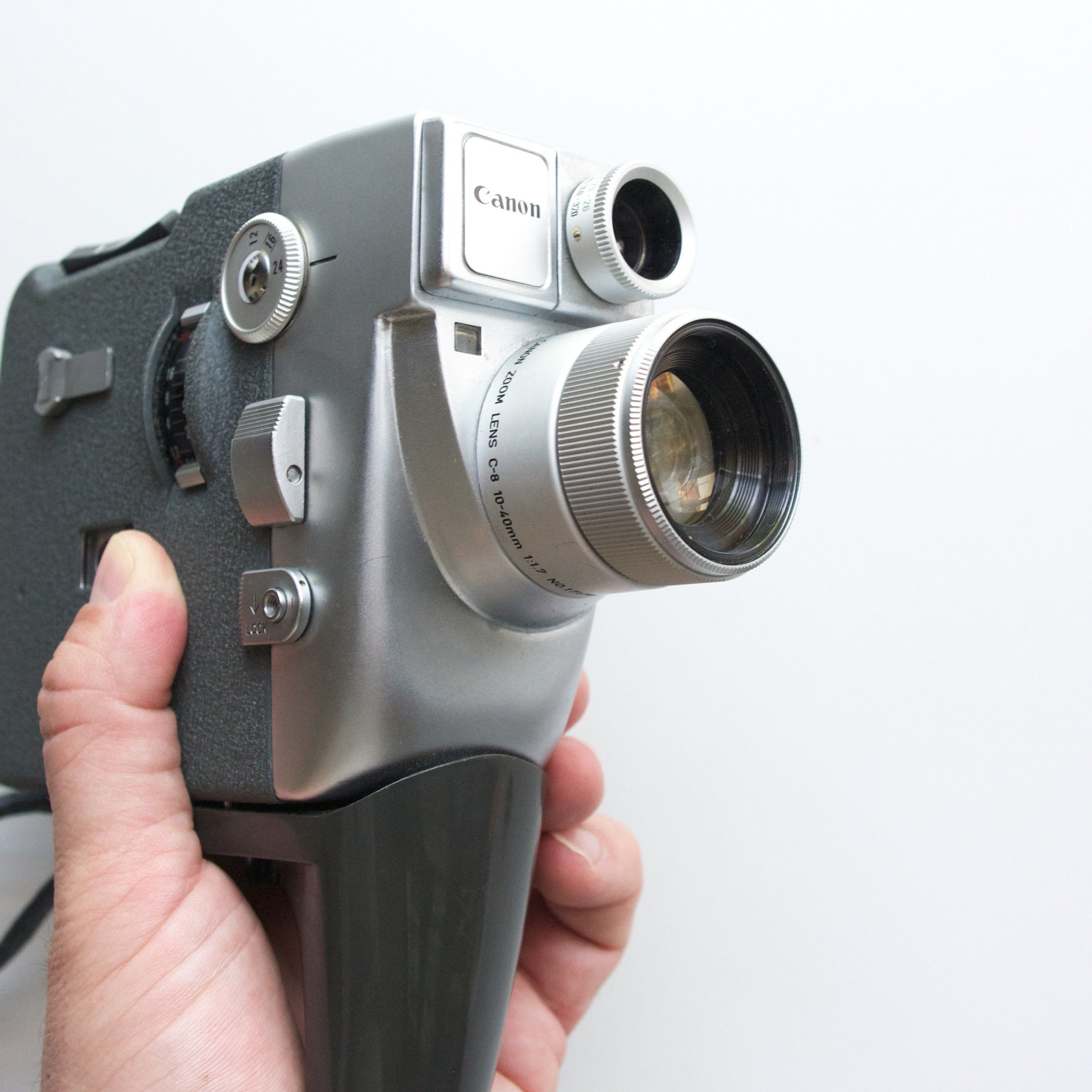 Canon Motor Zoom Eee 8mm Film Camera Leather Case Filmmaking Vintage Film Vintage Cinema Movie Camera In 2020 Vintage Camera Vintage Film