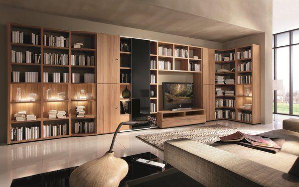 Ce meuble offre en plus de ses nombreux rayonnages une composition en angle et une