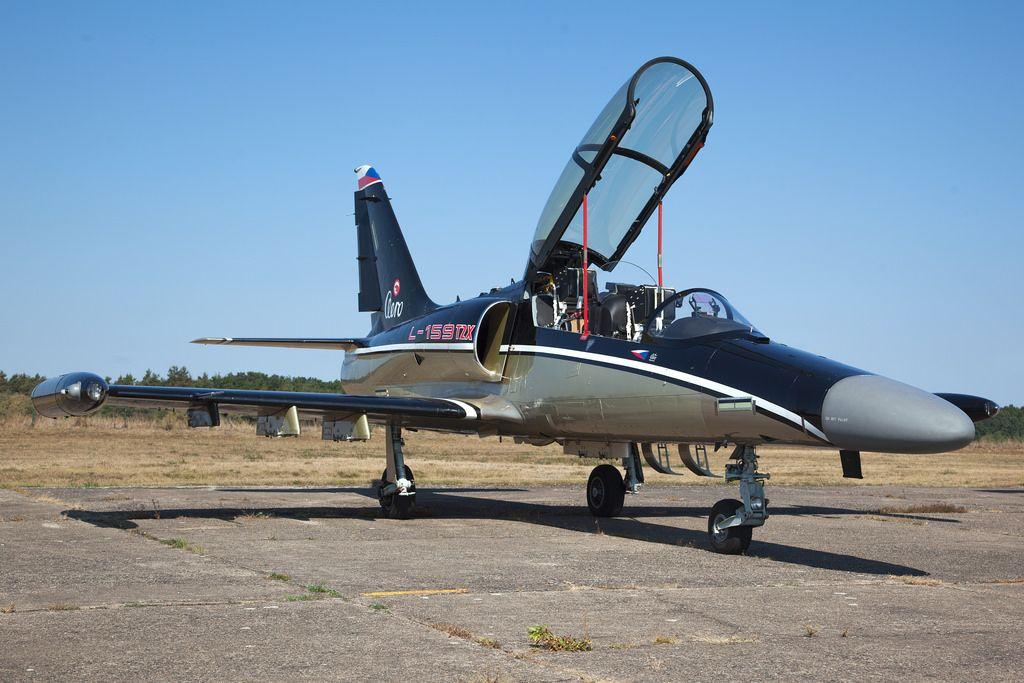 6073_AeroL-159T2X_AeroVodochody_LKVO