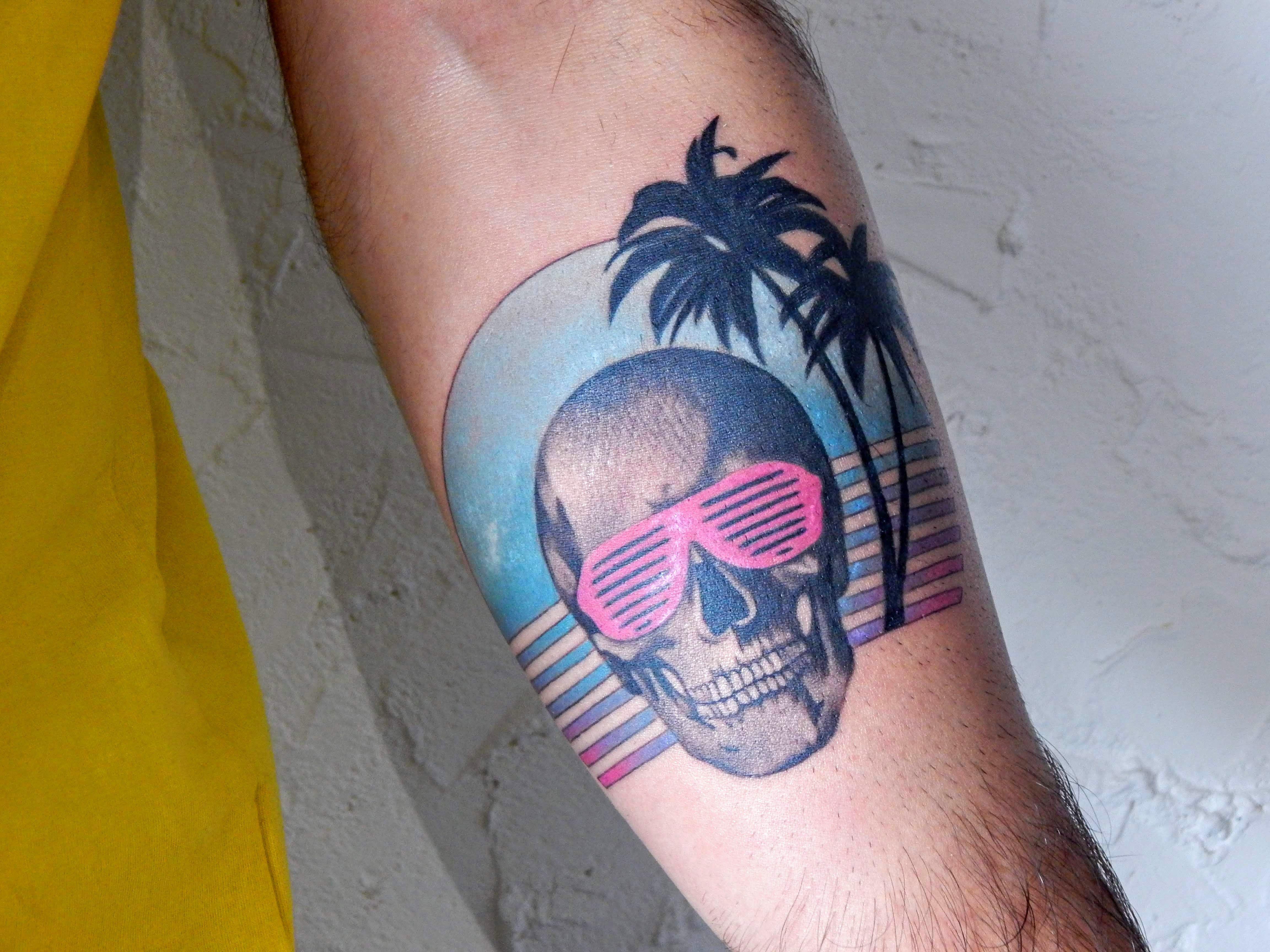Vaporwave Tattoo Vaporwave In 2020 Retro Tattoos Arm Sleeve Tattoos Ems Tattoos