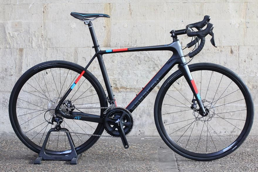 Just in: Saracen Avro, £1,799 carbon road bike with disc